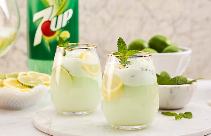 7UP Winter Mint Punch